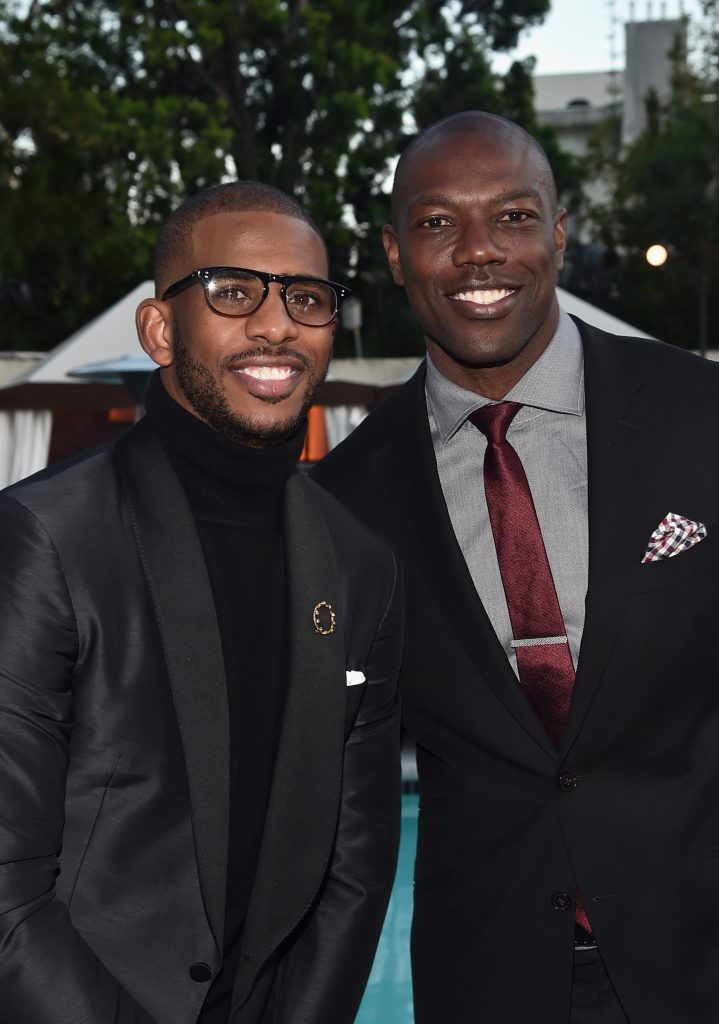 LOS ANGELES, CA - MARCH 25:  NBA player Chris Paul (L) and former NFL player Terrell Owens attend the Cedars-Sinai Sports Spectacular at W Los Angeles – West Beverly Hills on March 25, 2016 in Los Angeles, California.  (Photo by Alberto E. Rodriguez/Getty Images for Sports Spectacular) *** Local Caption *** Terrell Owens;Chris Paul