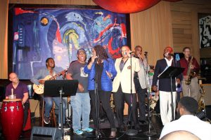"(L-R) Chubby Tavares, Evelyn ""Champagne"" King, Johnny Britt, Phillip Ingram & Masta Edwards, perform together, at a Preston Glass release event, at Vibrato Grill."